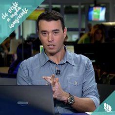 """O apresentador do programa """"Redação SPORTV"""", André Rizek abraçou a ideia da moda consciente e usou em seu programa a camisa Chambray.Valeu André, a Bloe ficou muito bem em você!  #bloe #modaconsciente #feitonobrasil #slowfashion #ecofriendly"""