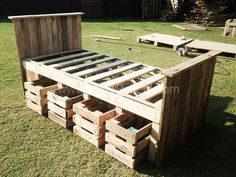 pallet-bed-frame with apple crates for drawers