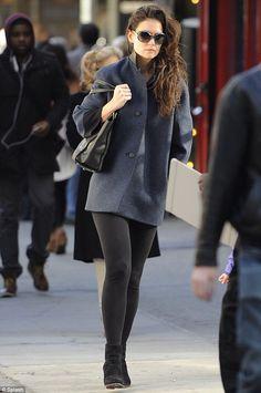Katie Holmes looks Beautiful =)