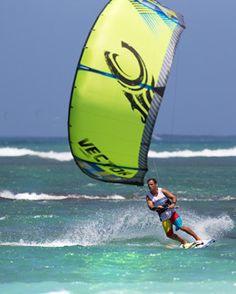 5babb10e5e02 MACkite Board Sports Center - 2014 Cabrinha Vector Kiteboarding Kite