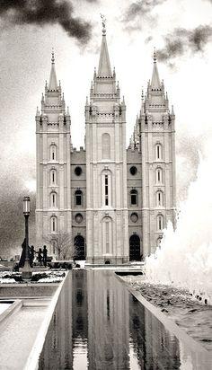 Salt Lake City, Utah, Church of Jesus Christ of Latter Day Saints (LDS) Temple. Salt Lake Temple, Salt Lake City Utah, Utah Temples, Lds Temples, Temple Pictures, Jesus Christus, Mormon Temples, Templer, Lds Mormon