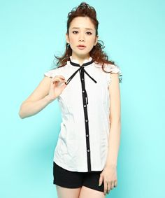 Wing sleeve blouse. GUILD PRIME WOMENS