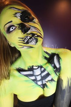 Click the photo for awesome body painting and makeup ideas and tutorials! MadeULook by Lex