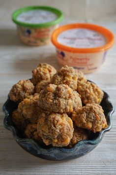 Pimento Cheese Sausage Balls - Eats and Treats - Lebensmittel Yummy Appetizers, Appetizer Recipes, Southern Appetizers, Appetizer Ideas, Dessert Recipes, Desserts, Southern Recipes, Southern Food, Swedish Recipes