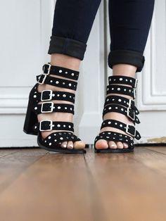 53 meilleures images du tableau WishList - Chaussures   Beautiful ... 932d0c3a82fa