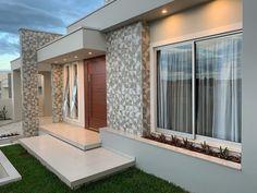 100 fachadas de casas modernas e incríveis para inspirar seu projeto House Front Design, Small House Design, Modern House Design, Villa Design, Model House Plan, House Plans, Modern House Facades, Modern Houses, Facade House