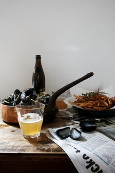 beer & mussels! Maybe I'll make this when my wife is at a church retreat! Beer, Mussels, garlic bread and maybe a ceasar salad (just so I can say I had a vegi, unless beer counts as my veg?).