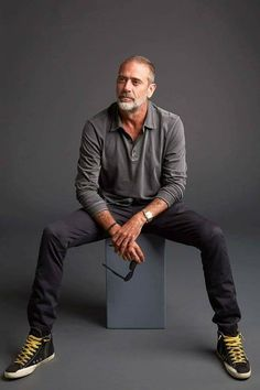 Jeffrey Dean Morgan from AMC Networks 'The Walking Dead' poses for a portrait in the Getty Images Portrait Studio powered by Pizza Hut at San Diego 2018 Comic Con at Andaz San Diego on July Get premium, high resolution news photos at Getty Images Hilarie Burton, Jeffrey Dean Morgan, Men With Grey Hair, Older Men, Daryl Dixon, Mannequins, Stylish Men, Look Cool, Bearded Men