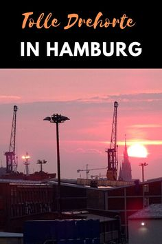 Die tolle Hansestadt Hamburg ist immer wieder Schauplatz für Serien und Filme. Alster, Elbe, Fischmarkt, St. Pauli. Hamburg hat für Touristen vieles zu bieten - und auch für Filmfans. #reise #tipps #filmdrehorte #hamburg St Pauli, Reisen In Europa, Cn Tower, Building, Nature, Movie Posters, Movies, Travel, Latin America
