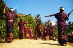 Tarian Hedung - tarian adat Kabupaten Flores Timur