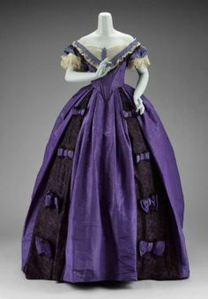 Victorian Dress - Woman's dress (in three parts) American, Jessie Benton Fremont, American Museum of Fine Arts Boston Civil War Fashion, 1800s Fashion, 19th Century Fashion, Victorian Fashion, 18th Century, Vintage Fashion, Vintage Outfits, Vintage Gowns, Antique Clothing
