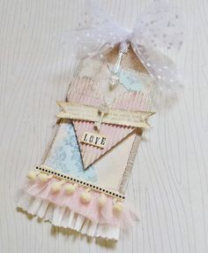 Tutorial: Valentine Tag: Creative Chaos - Step-by-step instructions and photos to create this pretty, shabby-style tag.