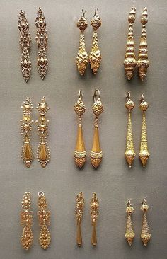 Portuguese gold earrings - National Museum of Ancient Art