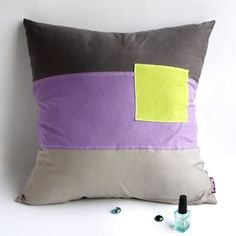 Square Feeling Knitted Fabric Patch Pillow Cushion