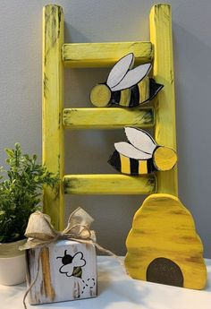 Wood Block Crafts, Diy Wood Projects, Wood Crafts, Bumble Bee Nursery, Baby Bumble Bee, Bee Creative, Bee Art, Bee Theme, Dollar Store Crafts