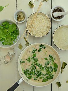 Błyskawiczna potrawka z kurczaka w kokosowym sosie ze szpinakiem Palak Paneer, Spinach, Food Porn, Food And Drink, Vegetarian, Diet, Chicken, Vegetables, Health