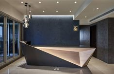 Office Reception Design In Bedroom Closet Reception Counter Design, Office Reception Design, Modern Reception Desk, Office Table Design, Office Interior Design, Corporate Office Design, Corporate Interiors, Lobby Design, Lounge
