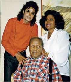 #MichaelJackson w/ his mother and grandfather.