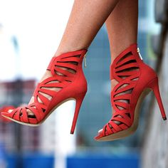 UPLOADED 19TH AUGUST 2015 EDITOR'S NOTE GUESS Aela Elastic Strap Heels Complete your summer, sunny look with these cuties from Guess. 4 colors. Found in 3 suppliers. BUY FROM AMAZON BUY FROM 6PM BUY FROM…