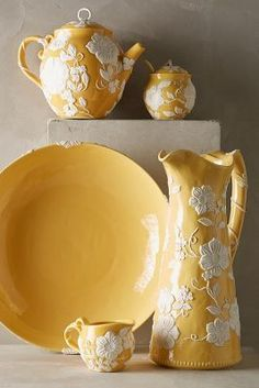 Anthropologie Petal Vines Serveware