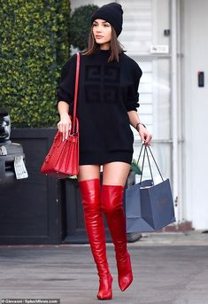 Look cool in a Givenchy sweater like Olivia  DailyMail High Fashion Trends 9ee2ae621