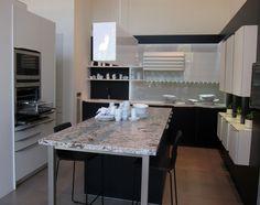 Puedes recibir asesoramiento y comprar electrodomésticos Neff en Valencia en:  Estudio paralelo espacio abierto S.L., Antigua Senda de Senent, 1,  46023 Valencia, Tfn. 963370093,   http://www.estudioparalelo.es/
