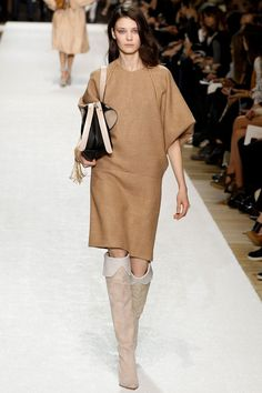 Chloé | Fall 2014 Ready-to-Wear Collection | Style.com [Photo: Marcus Tondo / Indigitalimages.com]