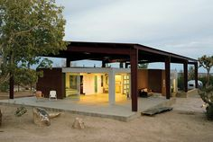 desert home sustainable house design 1 Sustainable Desert House Design Recycled, Reused and Naturally Cool Roof Design, House Design, Green Design, Eco Friendly House, Green Building, House Building, Sustainable Design, Sustainable Houses, Sustainable Trends