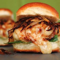 French Onion Chicken Sandwiches2 boneless, skinless chicken breasts, halved1 tbsp extra virgin olive oil1 large onion, thinly sliced1 tbsp g...