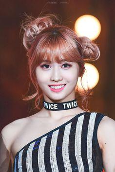 momo - twice Heechul, Extended Play, Yoonmin, Nayeon, South Korean Girls, Korean Girl Groups, Momo Hot, Kdrama, Taehyung