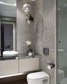 Banyo ve tuvalette Duvar Kağıdı Uygulaması
