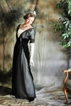 Reproduction 1912/1913 evening gown by Casey, via Elegant Musings.