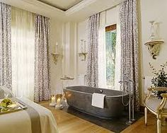 The Spa Suite, hidden amongst the trees of the park is ideal for a one day retreat eith your beloved