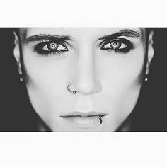 Andy Biersack ☆ Stunning eyes