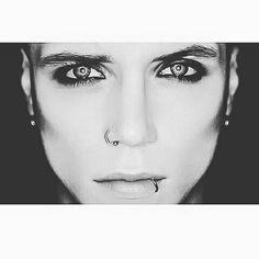 Andy Biersack ☆ Stunning eyes