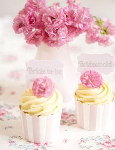 pretty vanilla cupcakes with white chocolate cream by petite homemade