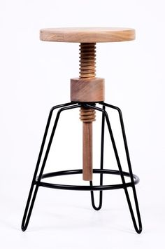 Banco rosca ontwerp Coban, Adjustable Stool, Wire Frame, Bar Stools, Industrial, Storage, Benches, Wood, Chairs