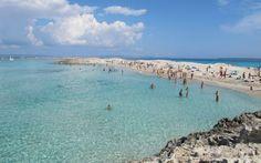 Los españoles disfrutamos de las mejores playas a nivel internacional. Seis de nuestros tesoros costeros se han acomodado dentro de la lista de las...