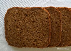 Pan negro esponjoso de centeno integral en panificadora Food N, Food And Drink, Pan Bread, Dessert, Sin Gluten, Deli, Cooking Time, Donuts, Banana Bread