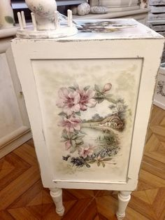 Resin Patio Furniture, Upholstered Furniture, Antique Furniture, Decoupage Chair, Painting Wallpaper, Furniture Makeover, Craft Projects, Decorative Boxes, Antiques