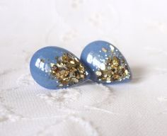 Hey, I found this really awesome Etsy listing at https://www.etsy.com/listing/192439342/periwinkle-and-gold-leaf-tear-drop-studs