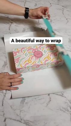 Diy Crafts Hacks, Diy Crafts For Gifts, Diy Home Crafts, Diy Arts And Crafts, Paper Crafts, Creative Gift Wrapping, Creative Gifts, Wrapping Ideas, Gift Wrapping Techniques