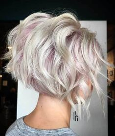 70 Overwhelming Ideas for Short Choppy Haircuts Short Choppy Blonde Bob Short Choppy Haircuts, Layered Haircuts, Short Choppy Bobs, Pixie Haircuts, Super Short Bobs, Short Haircut, Pixie Hairstyles, Haircut Wavy Hair, Short Inverted Bob