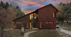 The prefab dream: Talented architects working with a great builder offering original designs Custom Home Designs, Custom Homes, Custom Design, Cabins In Wisconsin, Lake Flato, Exterior Cladding, Timber House, Eco Friendly House, Higher Design