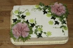 Kinkku-voileipäkakku Savoury Baking, Savoury Cake, Sandwich Torte, Tea Party Sandwiches, Finnish Recipes, Food Garnishes, Salty Cake, Food Decoration, Cake Decorating Techniques