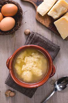 Stracciatella alla romana: una minestra ricca e sostanziosa tipica del centro Italia. Assolutamente da provare! [Stracciatella soup]