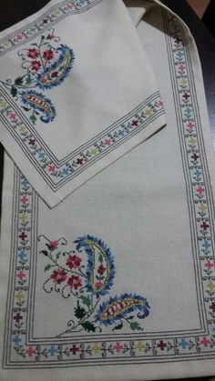 This Pin was discovered by Gül Just Cross Stitch, Cross Stitch Borders, Cross Stitch Designs, Cross Stitching, Cross Stitch Patterns, Christmas Embroidery Patterns, Embroidery Patterns Free, Embroidery Designs, Hardanger Embroidery
