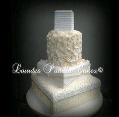 Luxury wedding cake, design by Lourdes Padilla
