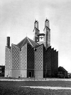 Kruiskerk Amstelveen, 1950s, Architect: Marius Duintjer.