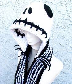 Skeleton Face Hooded Scarf - Handmade Crocheted Scoofie, Made w/Black & White Acrylic Yarn Hooded Scarf Pattern, Crochet Hooded Scarf, Crochet Beanie, Crochet Scarves, Crochet Yarn, Crochet Clothes, Crochet Crafts, Crochet Projects, Crochet Pour Halloween